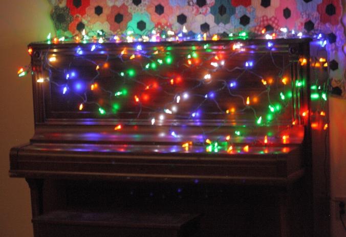 deck-the-piano