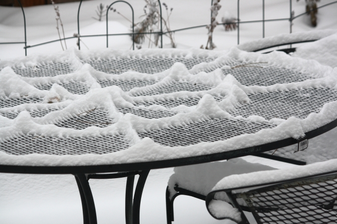 snow-sifted-patio-table