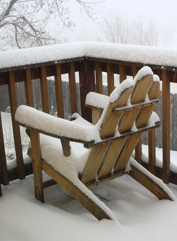 chair-in-snow